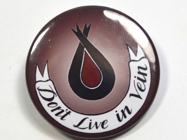 "DIscworld ""Don't Live In Vein"" Überwald League of Temperance Badge"