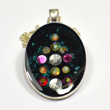 Diamante Swarovski crystal black shiny pendant
