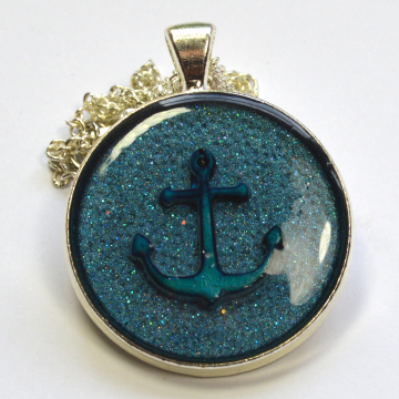 Magical Colour Changing Liquid Crystal Anchor Pendant