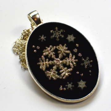 Snowflake Glitter Oval Pendant